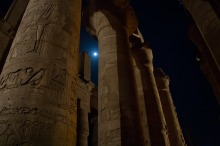 columns-420749_1280
