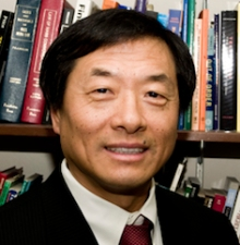 Communication professor Qingwen Dong